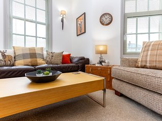 Charles Alexander Short Stay - The Old Bank Apartments - Modern 1 bed apartment