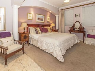 Highcliffe House Pinotage Luxury Self-Catering Suite