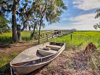 NEW! Beaufort Home w/ Dock - Walk to Waterfront!