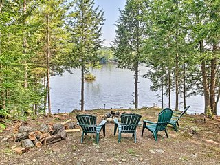 NEW! Limerick Lakehouse w/ Deck+Grill+Private Dock