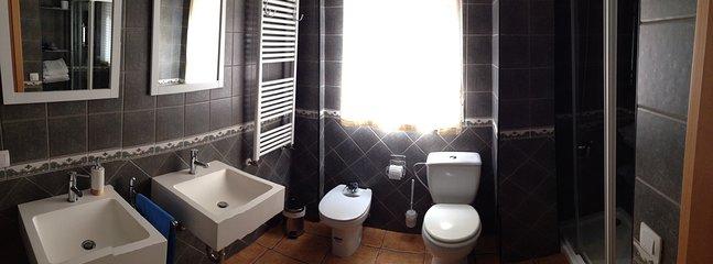 Cuarto baño primera planta