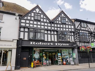 Tudor Loft- High Street, Grade II listed, Stratford-upon-Avon