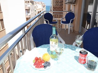 Apartment 75 m to beach, balcony, wi-fi, cable-tv