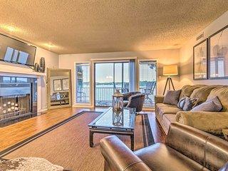 NEW! Sunset-View Resort Condo on Lake Hamilton!