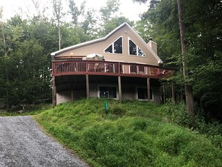Poconos Mountains Vacation Home,Sleeps 14, near Lake, In/Outdoor Pool, fireplace