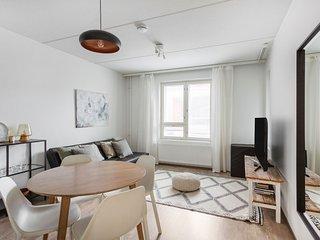 Scandinavian & Compact WeHost *Malagankatu