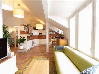 74m2 Penthouse WeHost *Agricolankatu