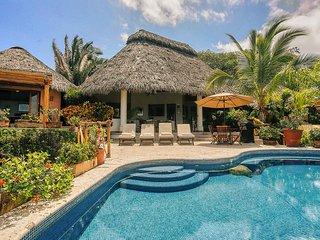 La Casa Ortalis & Casita - Oceanfront Villa - San Pancho