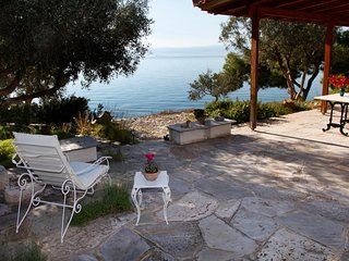 Waterfront Villa w Private Beach on the Aegean