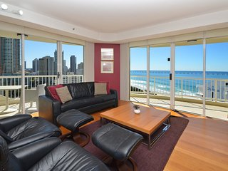 HRSP Moroccan Apt 269 - Luxury Beachfront 2 BR, Surfers Paradise