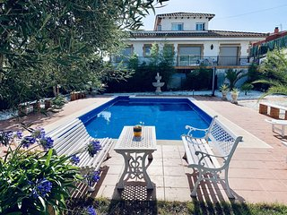 Exclusive apartment with pool and garden, Costa Brava, Spain