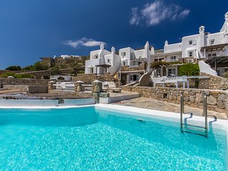 Villa 'Aeracura' Private Pool (July-August) - Seablue Villas Mykonos