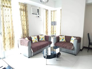 2BR Fully Furnished Condominium Manhattan Heights Cubao