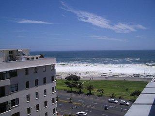 Luxury 2 bedroom , 2 bathroom apartment - Sea Point - Cape Town