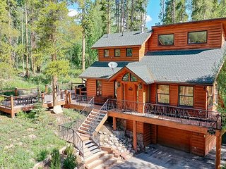Quicksilver Lodge Home: Hot Tub, Serene Setting!
