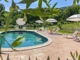 Villa Rosa, piscina,aria condizionata,animali ammessi, Regione Marche.