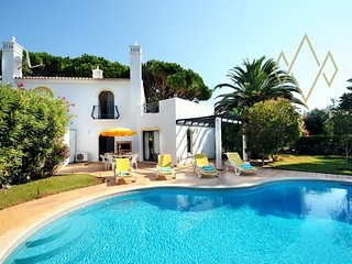 2 bedroom Villa with Pool, Air Con and WiFi - 5489459
