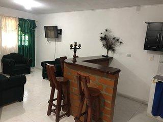 Casa Verde, magía, color y zócalos en Guatapé