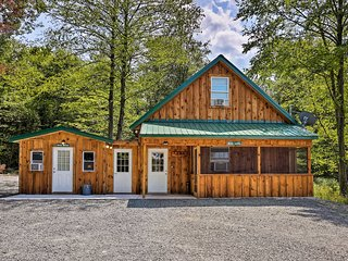 NEW! Rustic Cabin w/Porch 15 Min to Delaware River