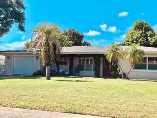 Belleair Bluffs Home Oasis with Private Pool