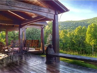 Bearwallow Cottage; located at top of Bearwallow Mountain. Hiking, relaxation, H