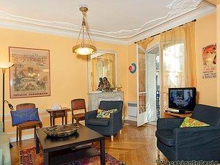Charming Montmartre One Bedroom - ID# 70