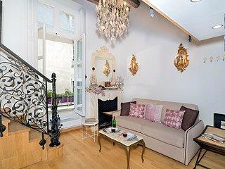 Magnificent Marais One Bedroom Loft - ID# 353