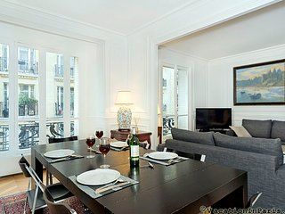 Daguerre Beau Chic Two Bedroom - ID# 348