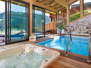 Chalet de charme avec piscine chauffée