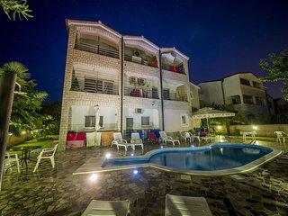 Villa Baldi Apartment 5   3 people, free WiFi, outdoor pool, garden, BBQ
