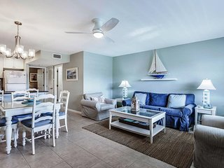 Best Value & Location! Gulf Front Complex--Updated Beach Side Condo-Sanibel Arms