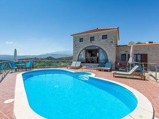 Ano Stalos Villa Sleeps 6 with Pool Air Con and WiFi - 5657121