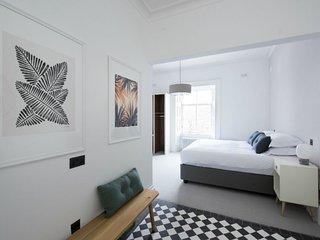 Harris (Deluxe Bedroom)