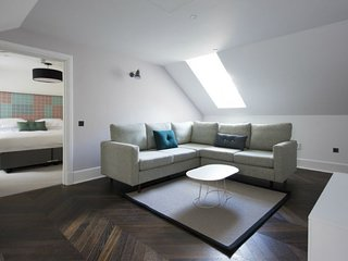 Superior 2-bedroom apartment within the beautiful surrounds of Lews Castle
