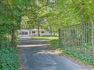 Charming Summerville Home w/ Yard & Sunroom!