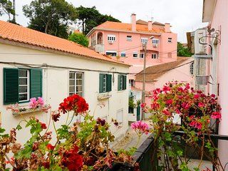 Idyllic apartment Sintra's train station