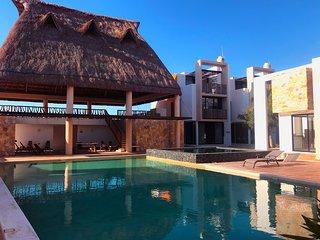 Mexican style Villa Kookay, 3br 4ba, W/ac, beach club, pool & more Yucatan coast