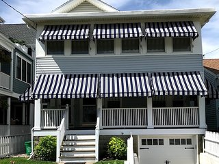 Lovely beach house unit 3 houses to beach. Front porch, available 8/17-24!