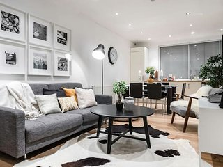 Centre of Soho - Amazing 2 bedroom flat!