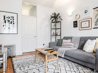 Super Soho Location - Super chic 2 bedroom flat!