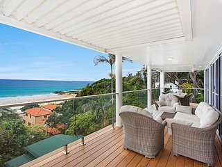 Ocean Blue on Currumbin Hill  - Pet Friendly staycation in perfect location!