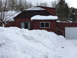 NELSON NEST (Bessemer, MI): JUST LISTED-Snowmobilers welcome! Pet-friendly!