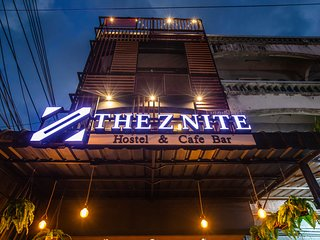 The Z Nite Hostel /1 Person in 4-Bed Dormitory/Female Only/Save Money