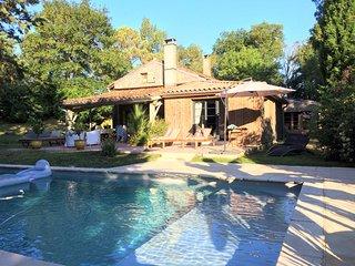 Nailloux, ferme lauragaise de charme rénovée, piscine et cheminée - 10 personnes