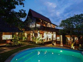 A 3-bedroom Tranquil Getaway Villa in Kerobokan