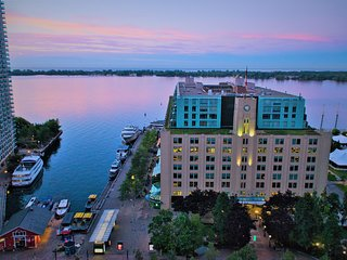 BEAUTIFUL WATERFRONT CONDO WITH GORGEOUS LAKE VIEW