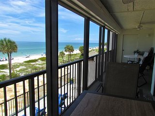 Last Minute Cancellation - Call Us! Beachfront Overlooking Madeira Beach