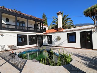 Villa Escondida -  Large reformed mansion with sea view - 4-6 Persons