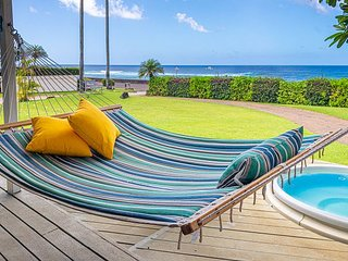Poipu beach house, a/c in living area & bedrooms, oceanside, hot tub, hammock