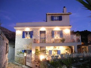 Villa Loucia - Rent a room or an apartment. Traditional Greek House in Lefkada.